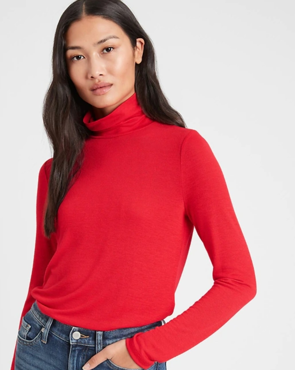 The turtleneck top in red