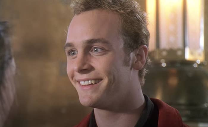 Ethan Embry smiling in Can't Hardly Wait