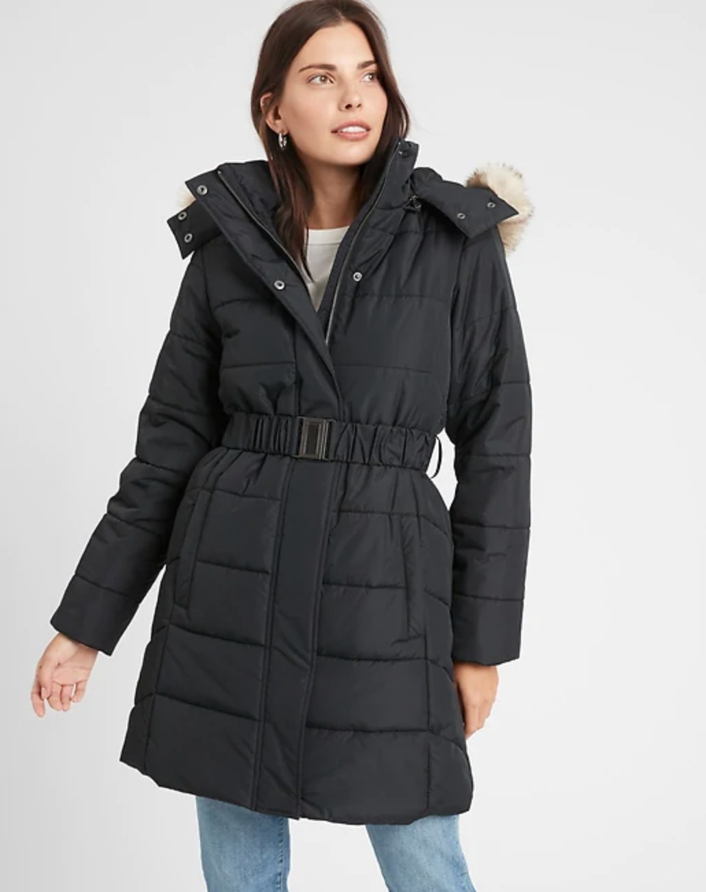 The hooded and belted puffer jacket in black