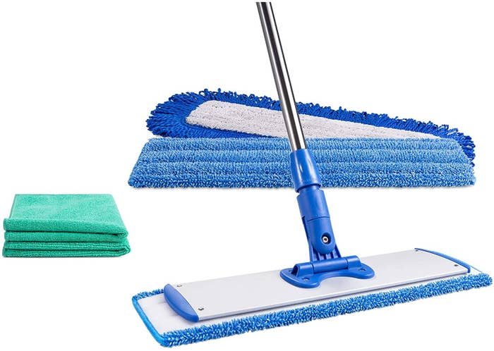 the mop head with mop pads and microfiber cloths
