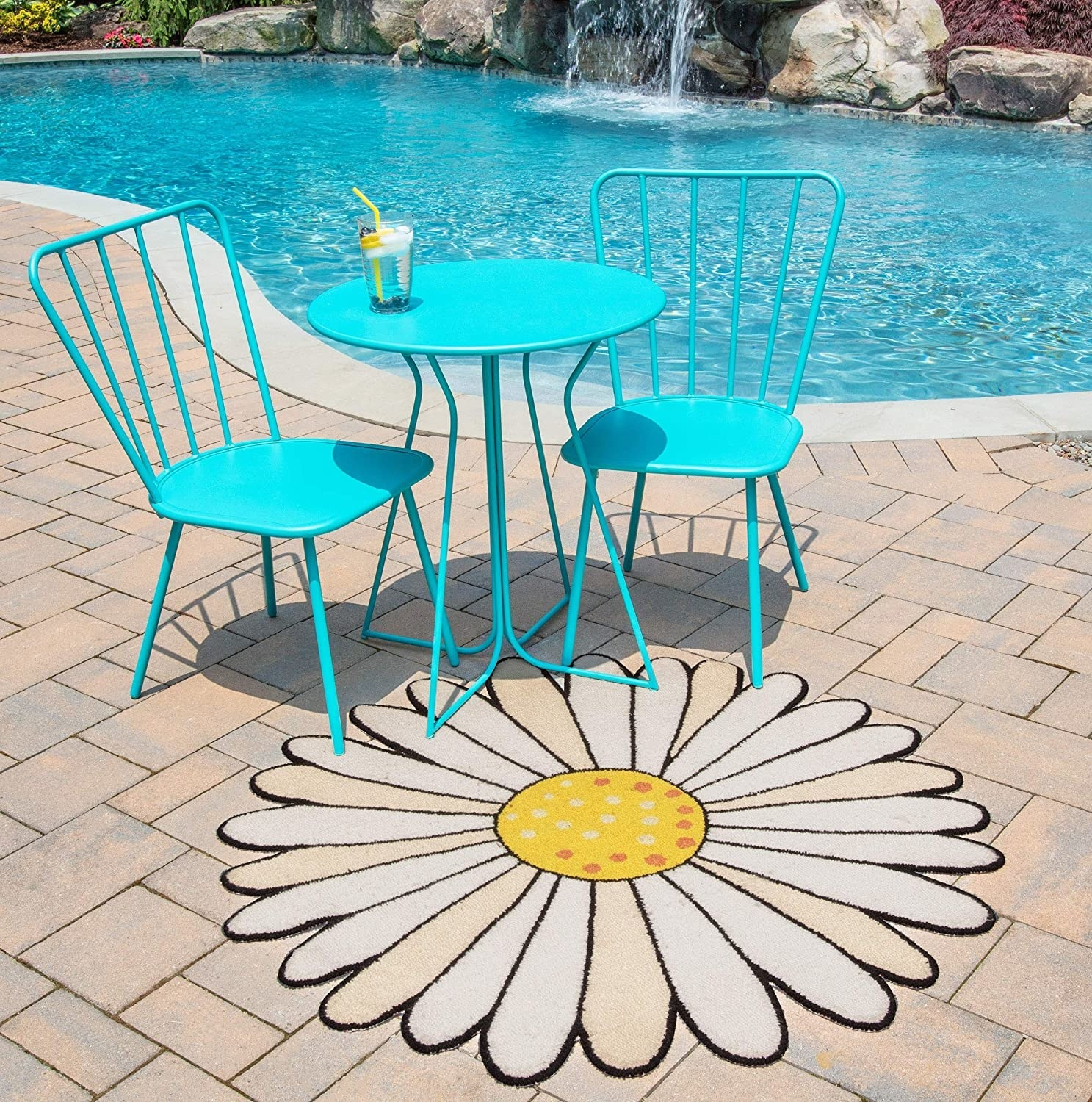 Flower shaped outdoor mat