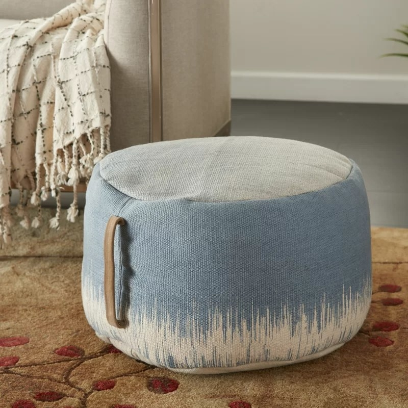 The pouf in blue