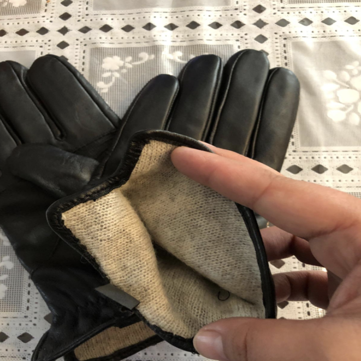Leather touchscreen gloves with cashmere lining