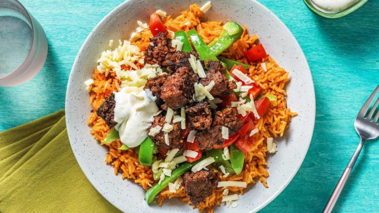 Le bol de légumes épicés à la mexicaine avec riz, Beyond Meat, légumes et crème