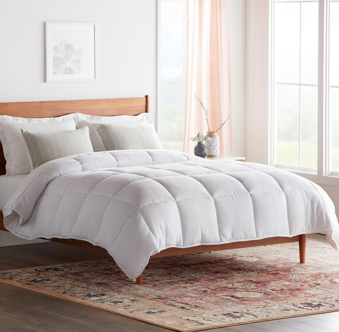 The hypoallergenic down comforter in queen size