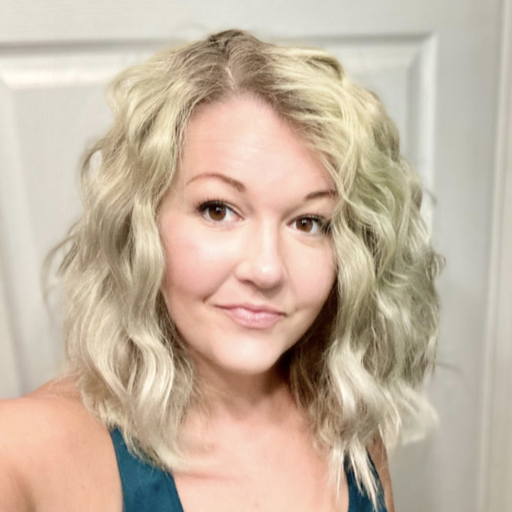 Reviewer photo of hair after using wave artist