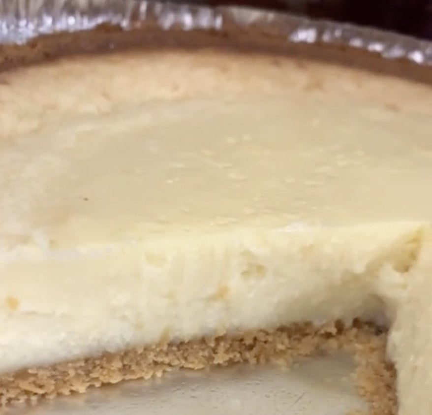 A white creamy pie