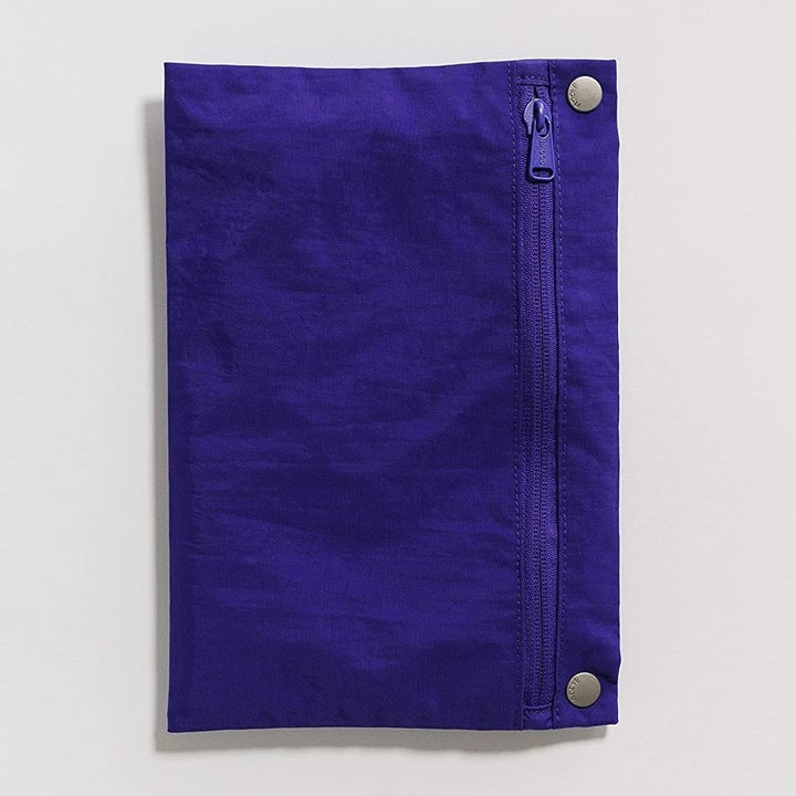 A small zip pouch to hold the packable tote bag
