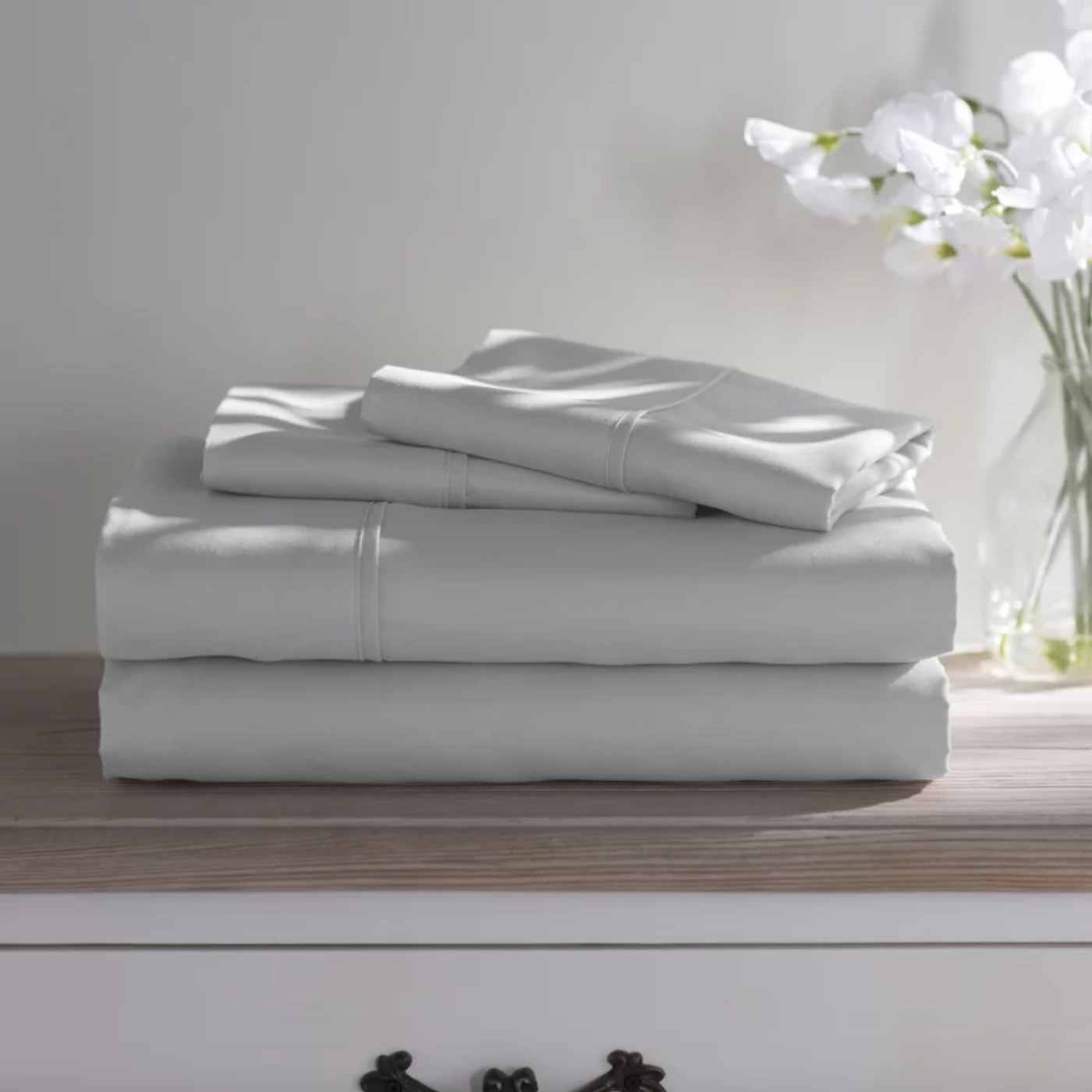 The sheet set in light gray