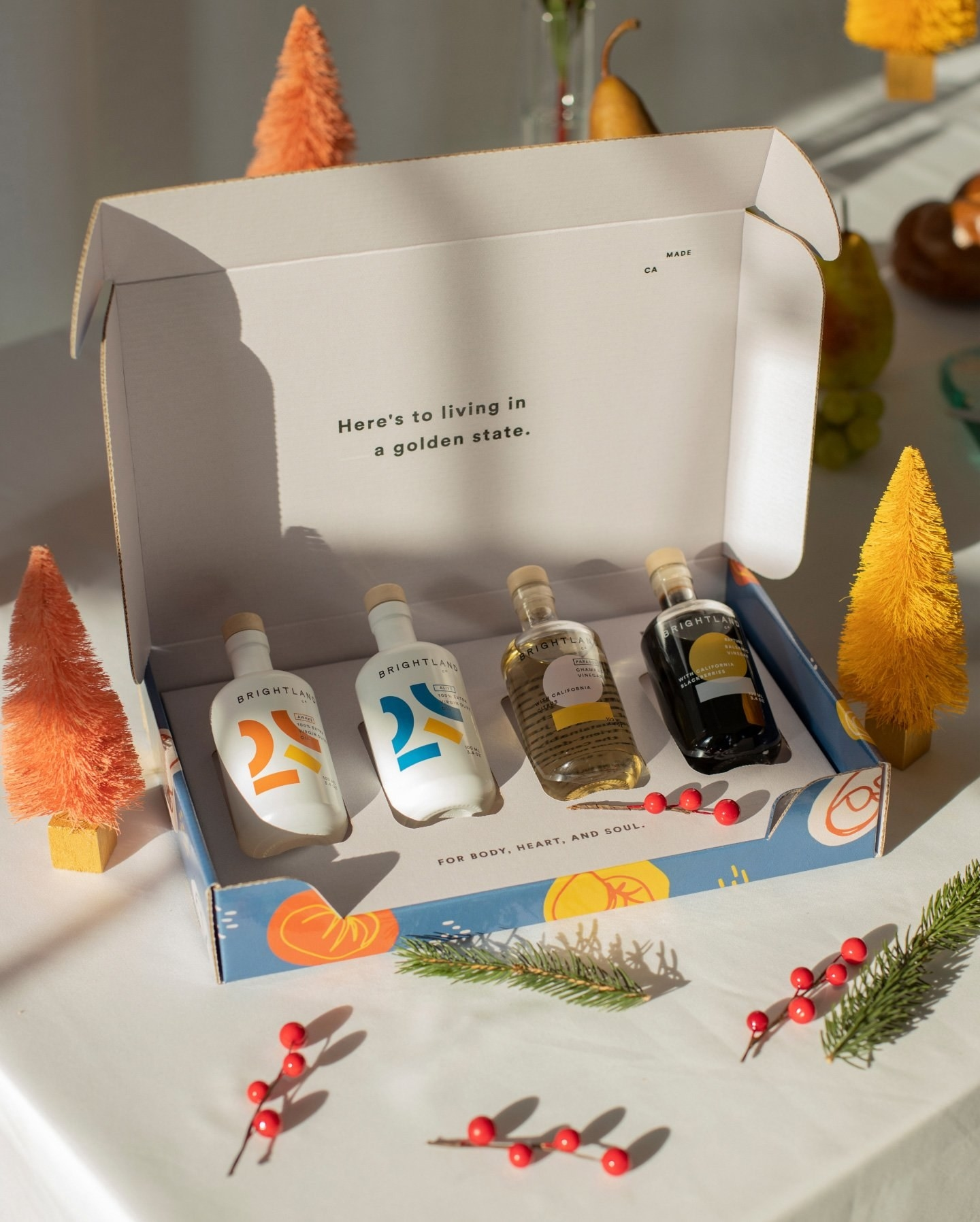 The mini essentials kit which comes with two olive oils and two vinegars