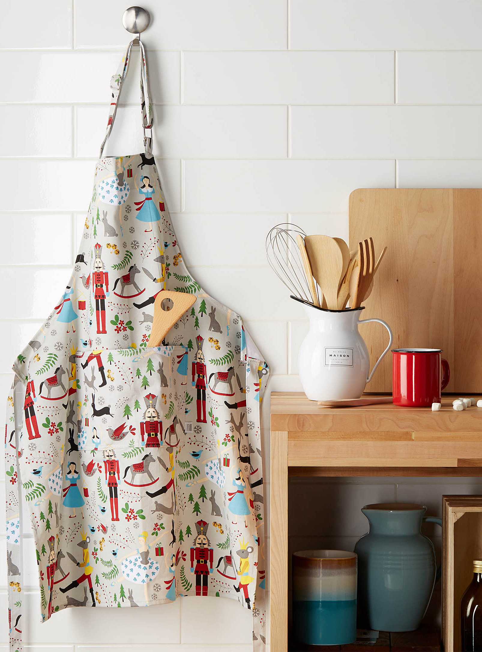 An apron with nutcrackers and Christmas decoration