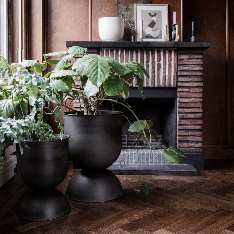 Hour glass shaped black planters