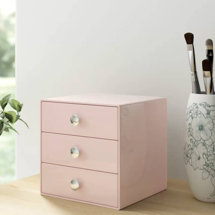 The pink drawer