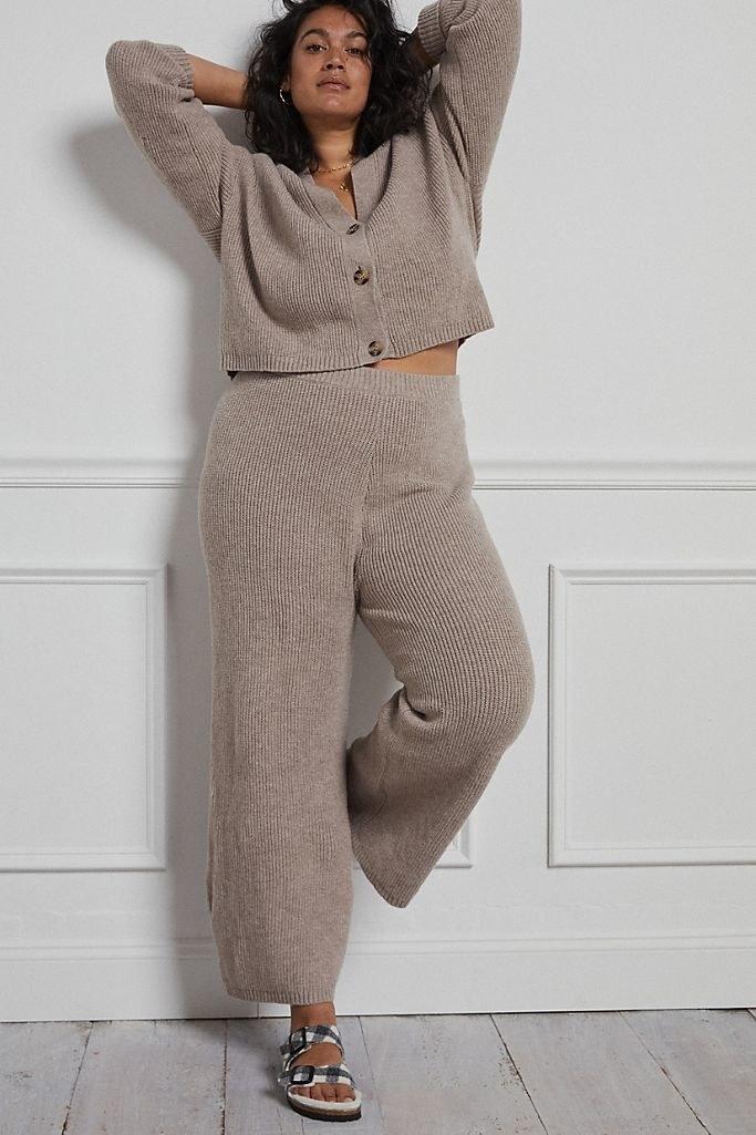 The knit lounge set in beige