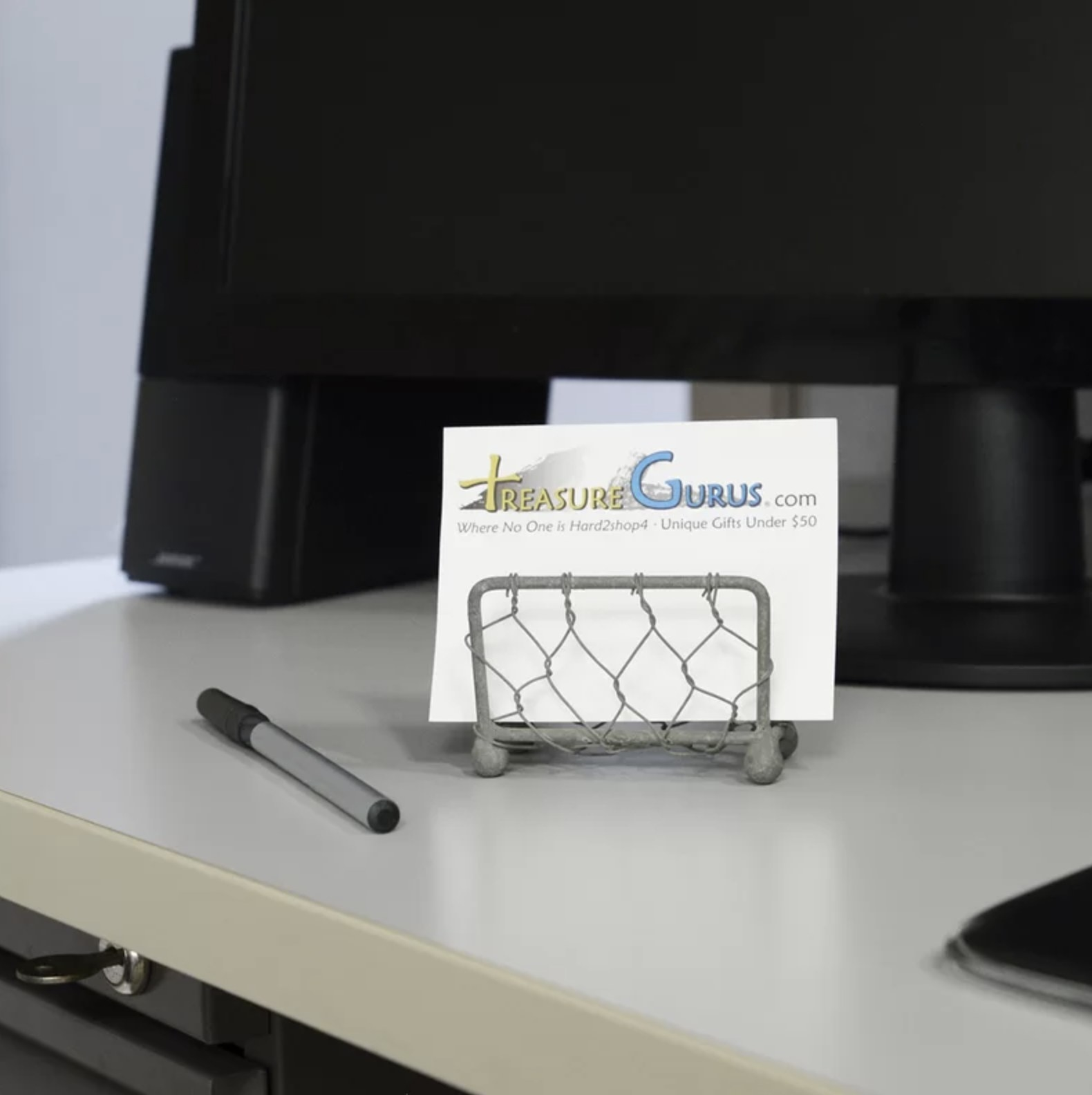The metal wire business card holder