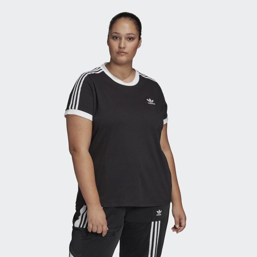 Model wearing black t-shirt