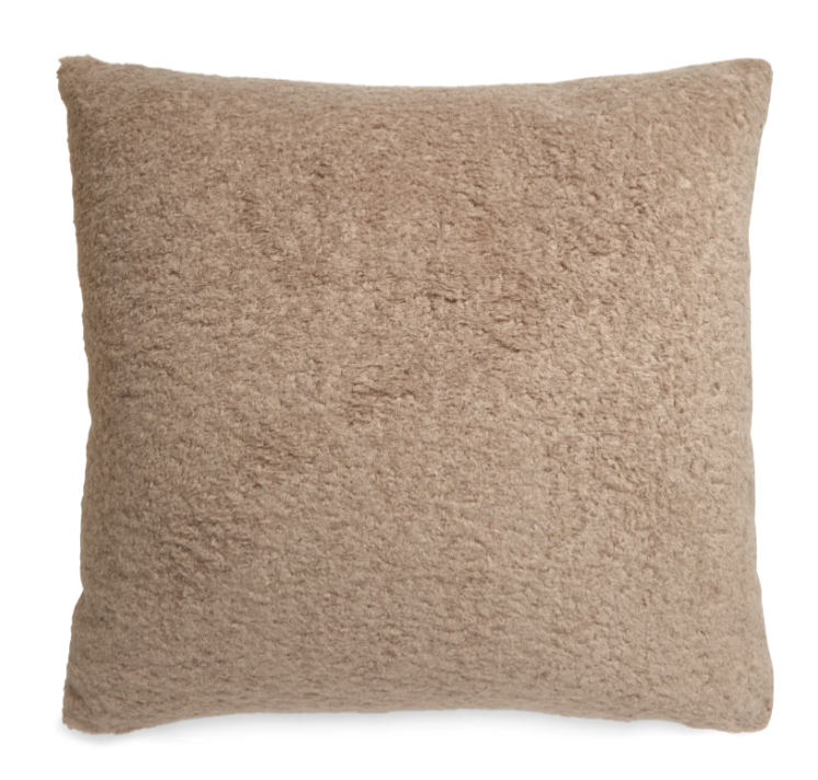 Teddy faux fur pillow