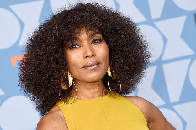 "Angela Bassett Revealed Daniel Kaluuya's Eyes Started Bleeding During That Epic Warrior Falls Scene In ""Black Panther"""