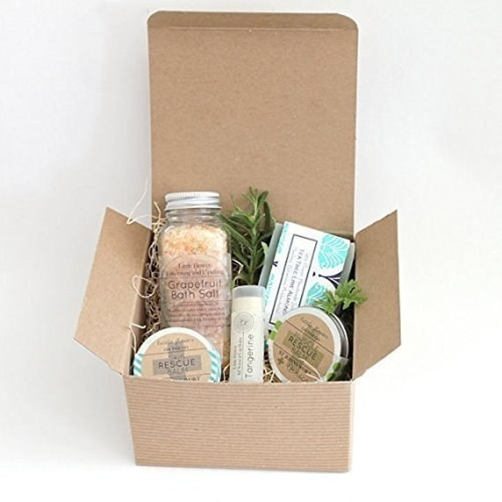 The spa box with everything that comes included