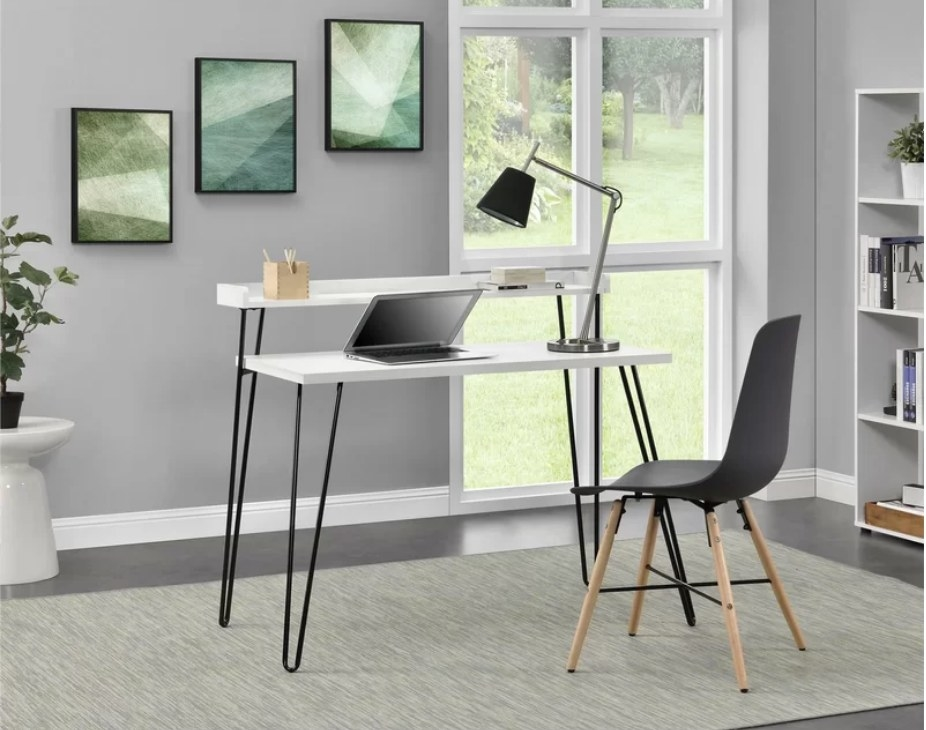 The two-tier desk with metal pin legs