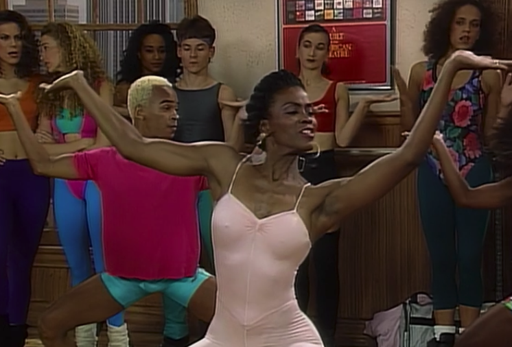 """Aunt Viv happily dancing in class in the """"The Big Four-Oh"""" episode"""