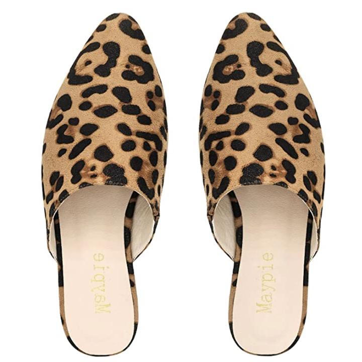 Mules in leopard print