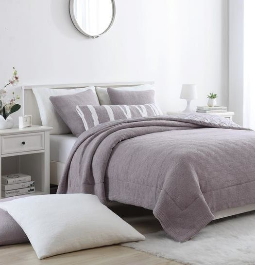 The snug comforter in purple haze