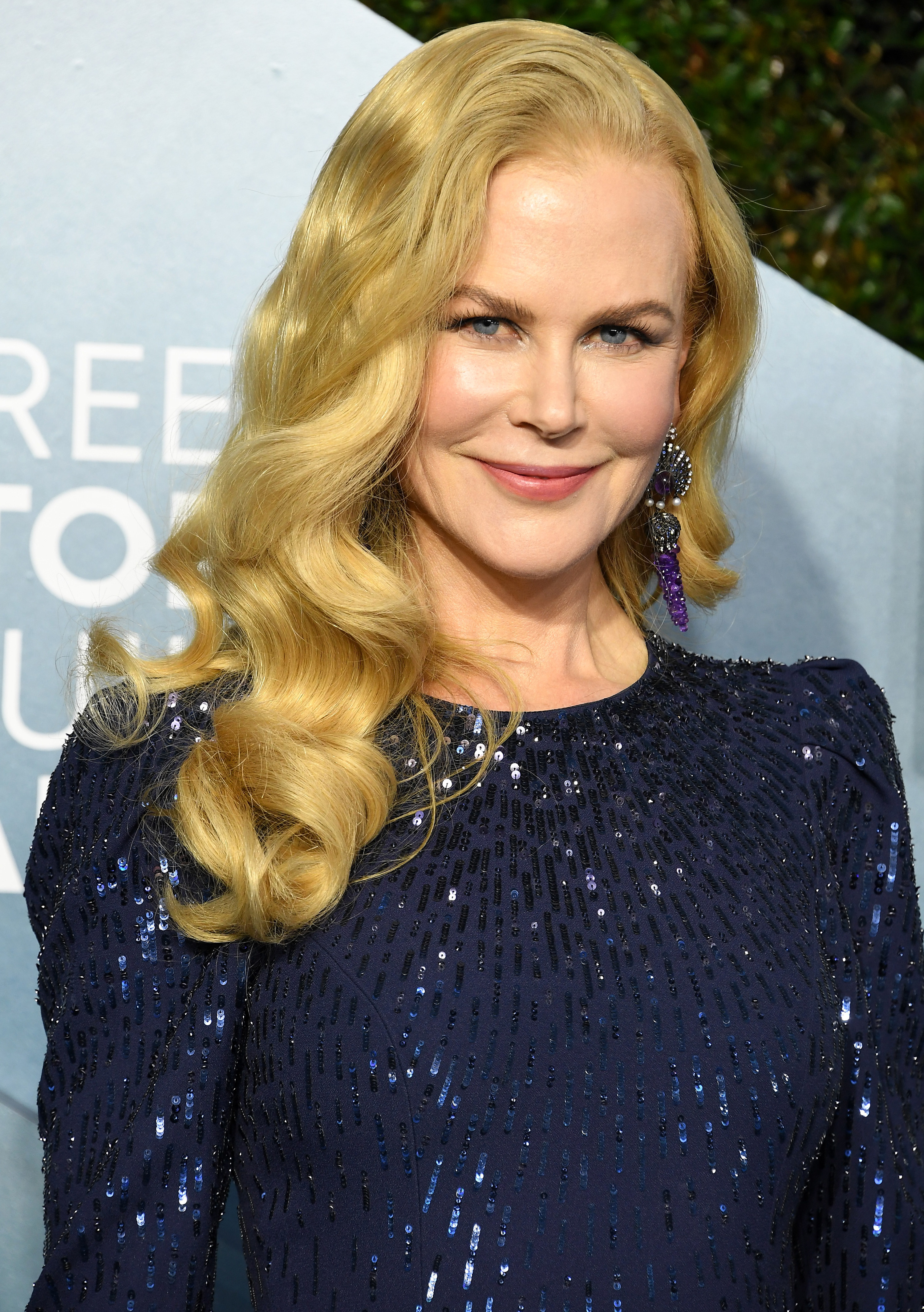 Nicole Kidman arrives at the 26th Annual Screen Actors Guild Awards in a sequined gown