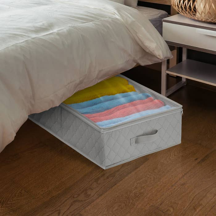 The underbed chest