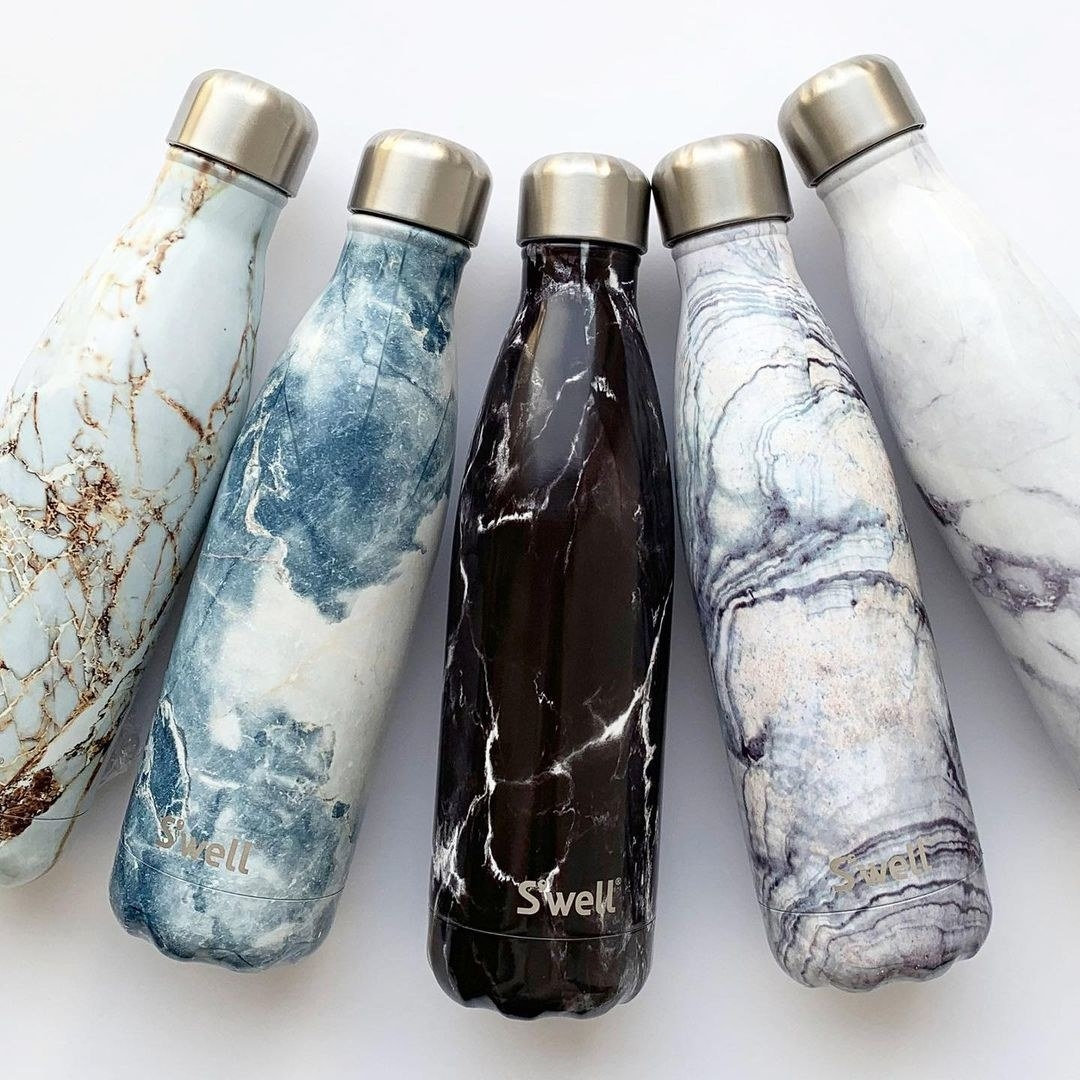 the water bottles with geode prints