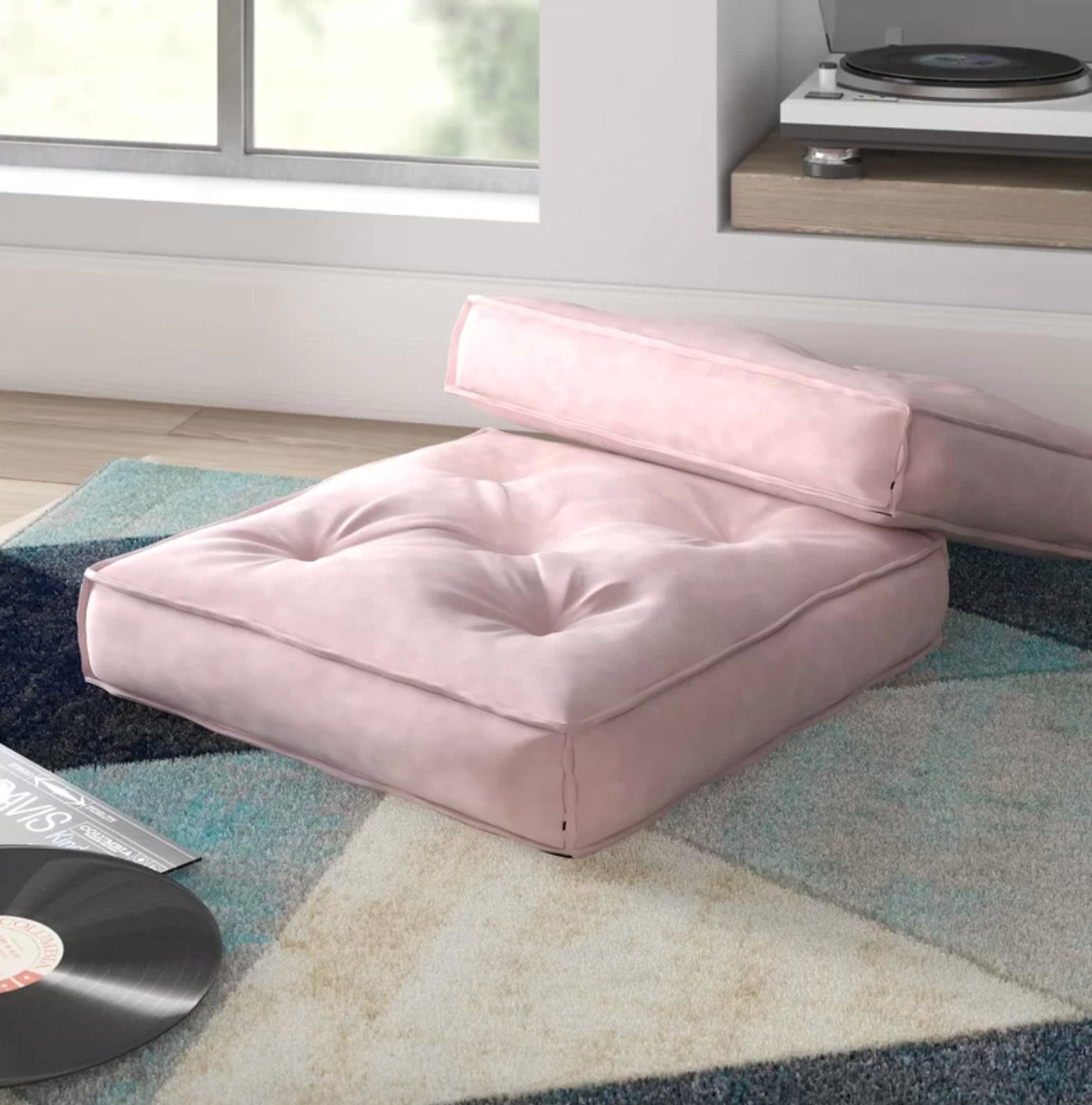 The square floor pillow in blush