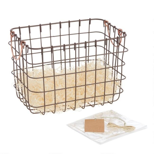 The wire basket and included wrapping accessories