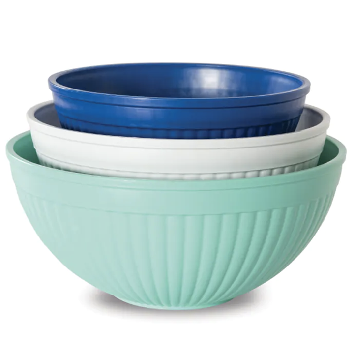 three mixing bowls in different sizes