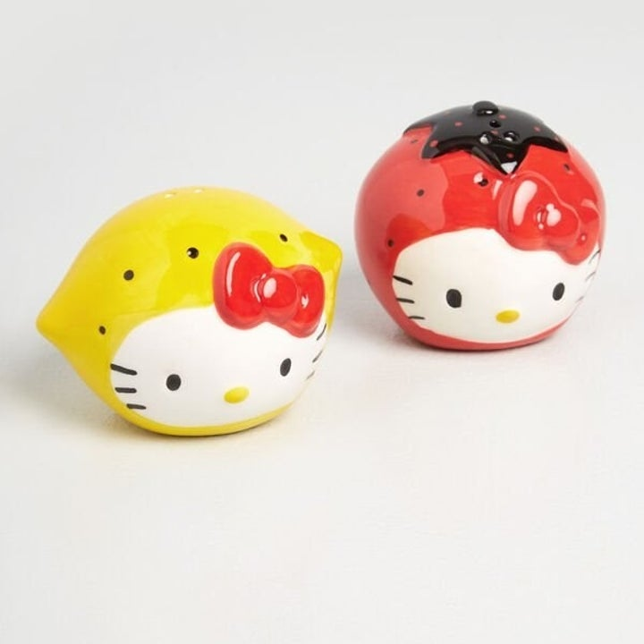 lemon and strawberry-shaped hello kitty shakers