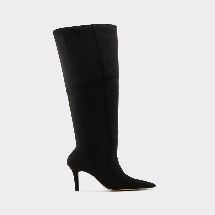 the black heeled boots
