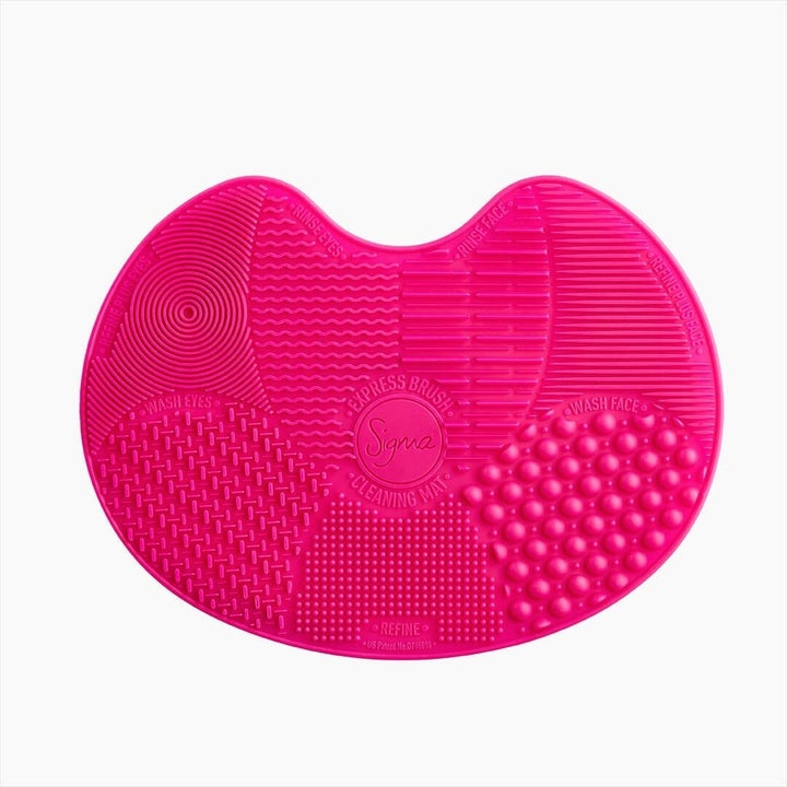 The pink textured silicone mat