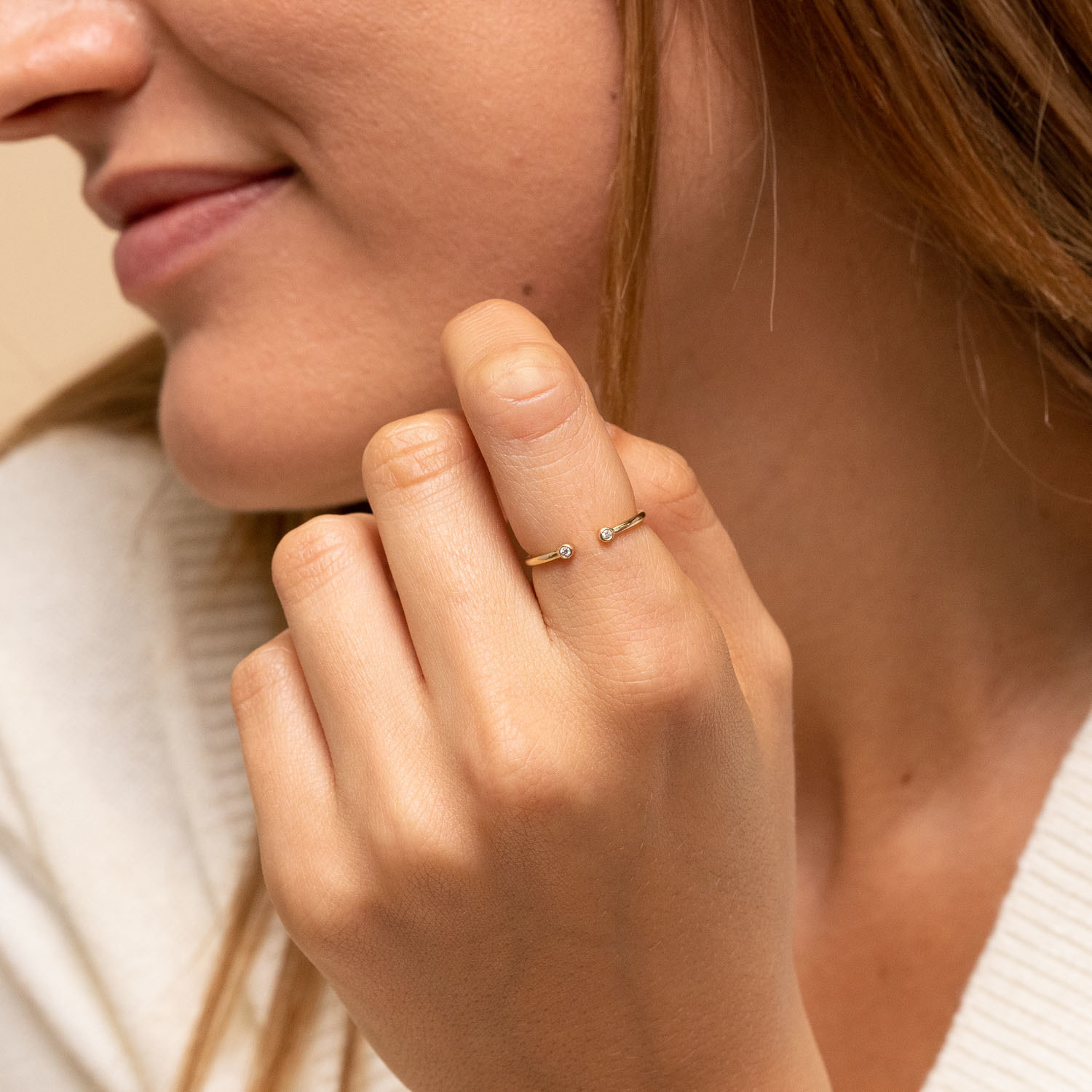 A person wearing the ring on their index finger