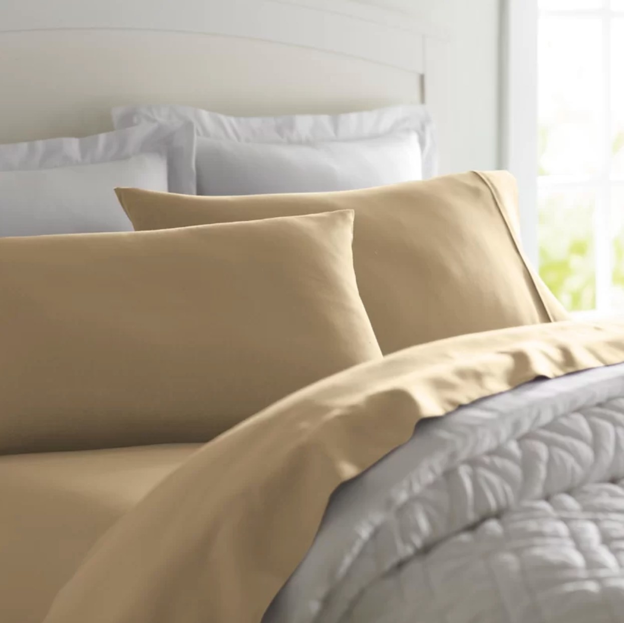 The sheet set in camel