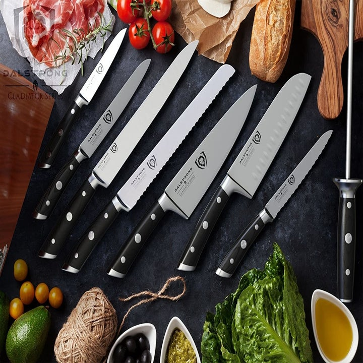 The included eight knives
