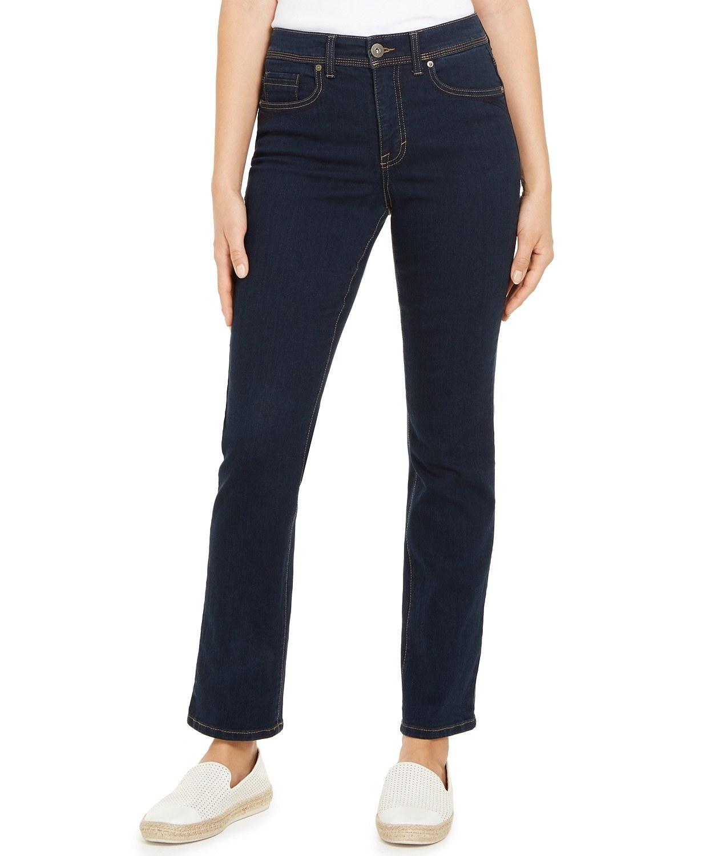 model wearing Style & Co jeans