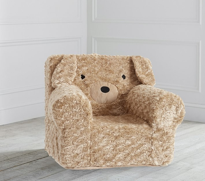 The fuzzy mini armchair with a dog face and ears on the back