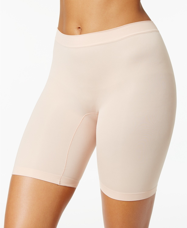 model wearing Jockey skimmies no-chafe slip short