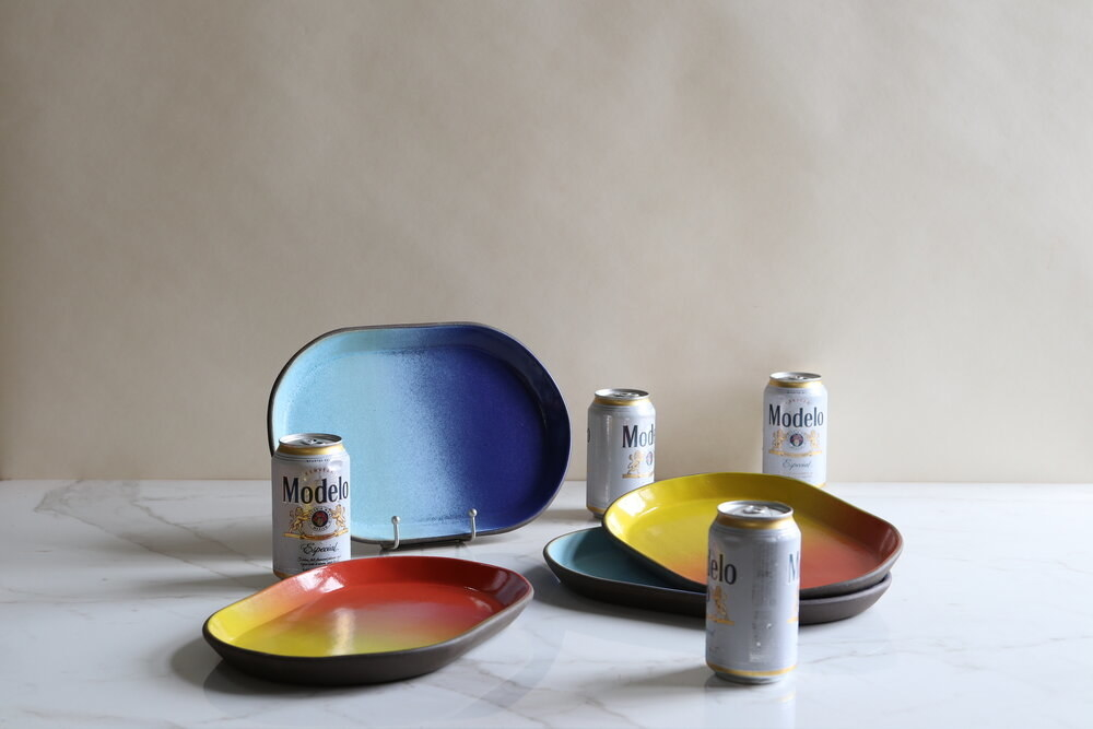 Ombre oval trays with slightly raised edge in blues and oranges