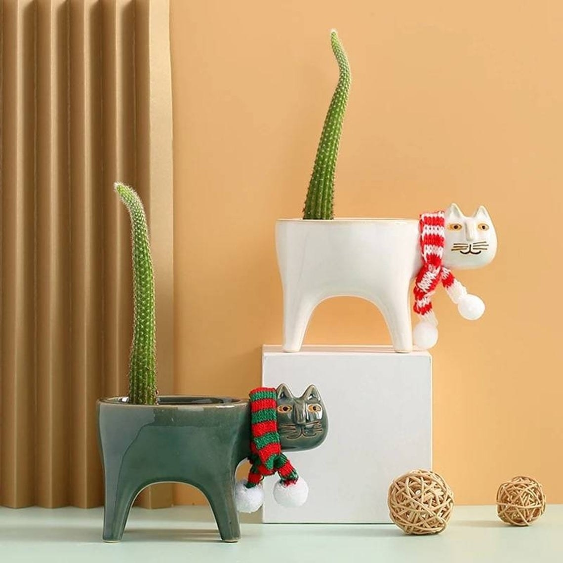 Ceramic cat planter with cactus for tail