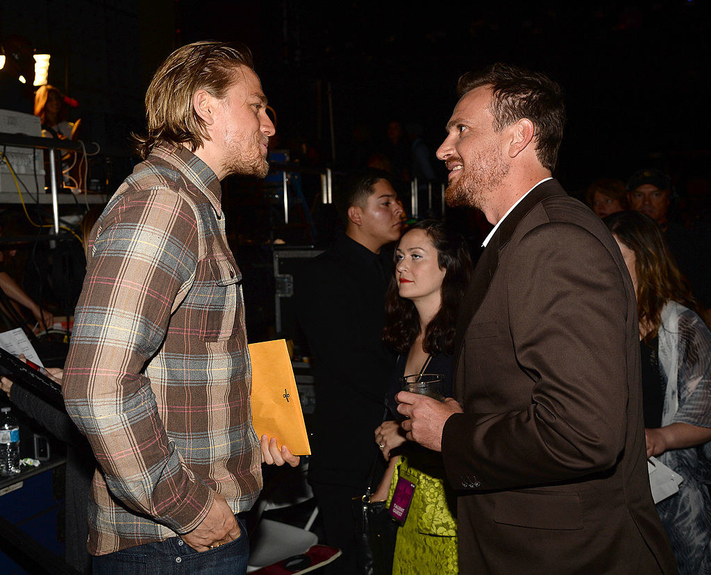 """查理·汉纳姆和杰森·西格尔参加穗电视台的""""男人选择2014""""。"""