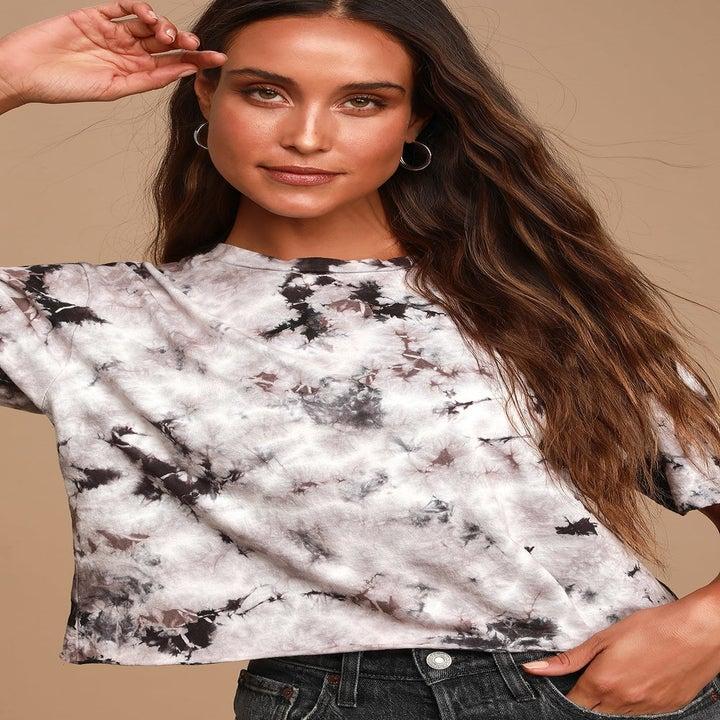 model wearing the cropped tie-dye t-shirt