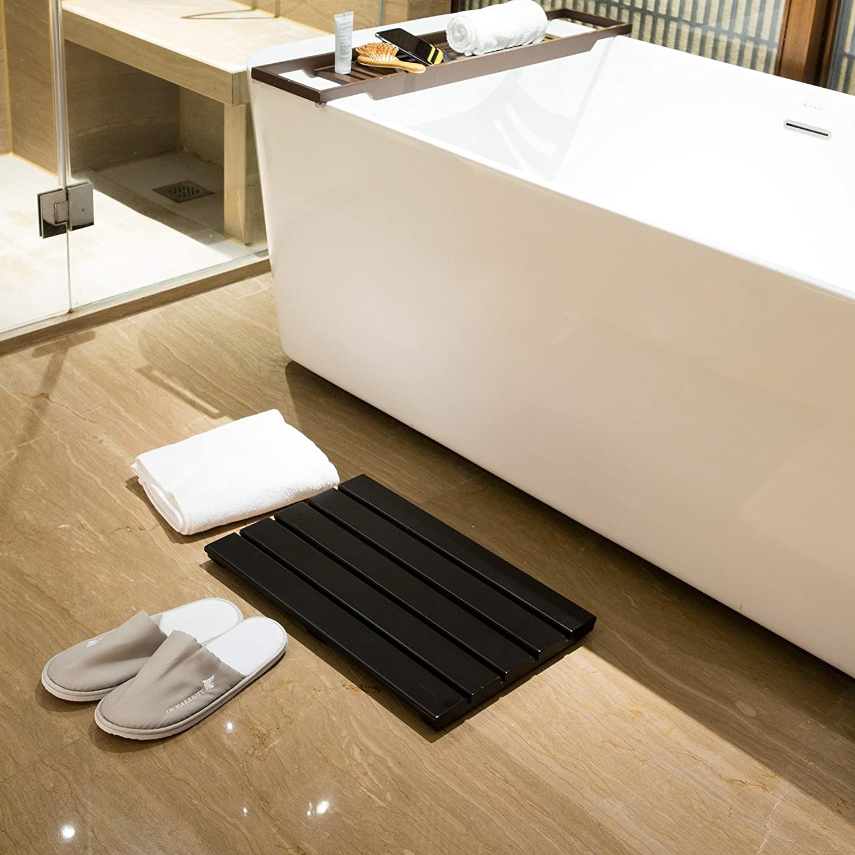Black bamboo bath mat