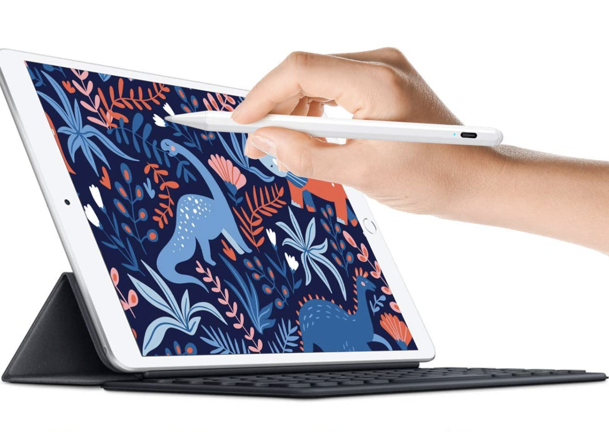 Model using stylus on iPad to color in a picture