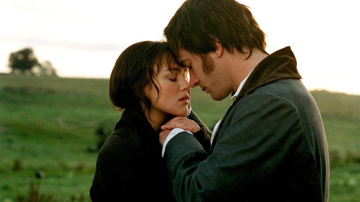 Elizabeth Bennet (Keira Knightley) and Mr Darcy (Matthew Macfadyen) romantically embracing