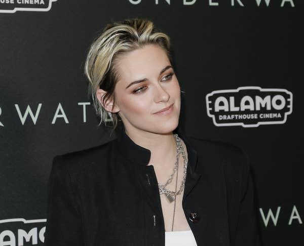 Kristen Stewart menghadiri pemutaran khusus penggemar 20th Century Fox & quot; Underwater & quot;  di Alamo Drafthouse Cinema pada 07 Januari 2020 di Los Angeles, California.